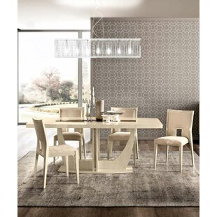 Orren Ellis Quentin Extendable Dining Table