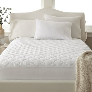 Gerlach Solid Quilted Polyester Mattress Pad