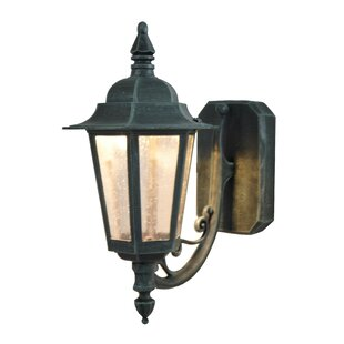 Best Price Flannigan 1-Light Outdoor Sconce By Charlton Home