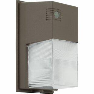 Progress Lighting 20-Watt LED Outdoor Sec..