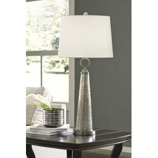 Lesse 33 Table Lamp