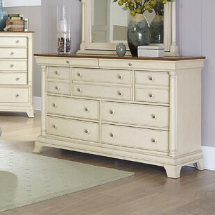 Woodhaven Hill Inglewood II 7 Drawer Dresser