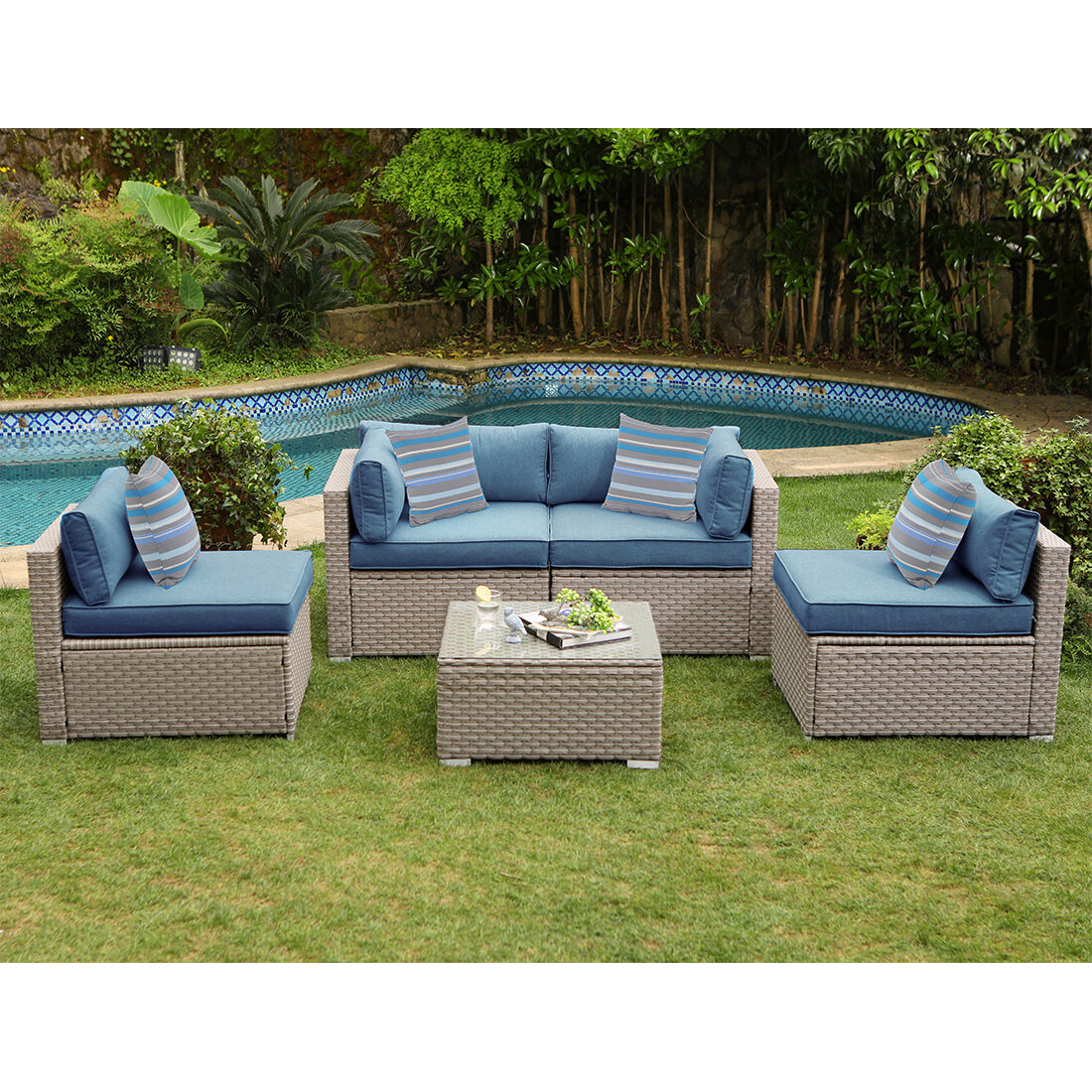 Rosecliff Heights Iain Outdoor Furniture 5 Piece Rattan Sectional Seating Group With Cushions Reviews Wayfair