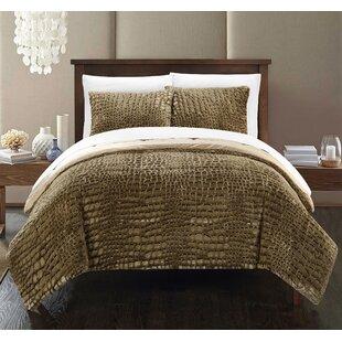 Ostrowski 3 Piece Comforter Set