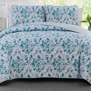 Damask 3 Piece Reversible Quilt Set