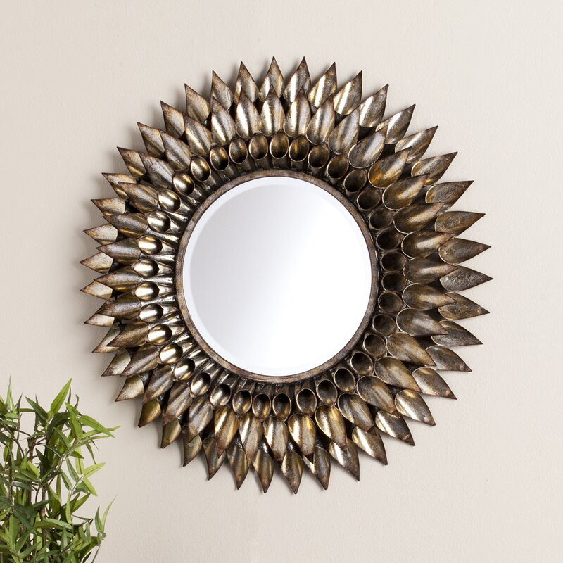 Merveilleux Round Galvanized And Weathered Silver Decorative Wall Mirror