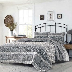 Tiarra Reversible Quilt Set