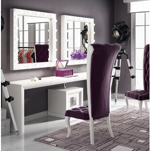 Affordable Price Kirkwood Bedroom Makeup Vanity Set with Mirror By Everly Quinn