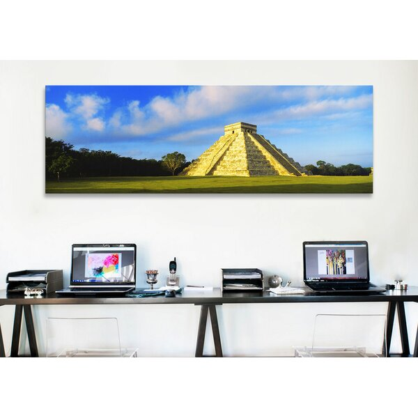 'Kukulkan Pyramid, Chichen Itza, Mexico' Print on Canvas