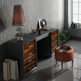 Everly Quinn Kirkwood Bedroom Makeup Vanity Set