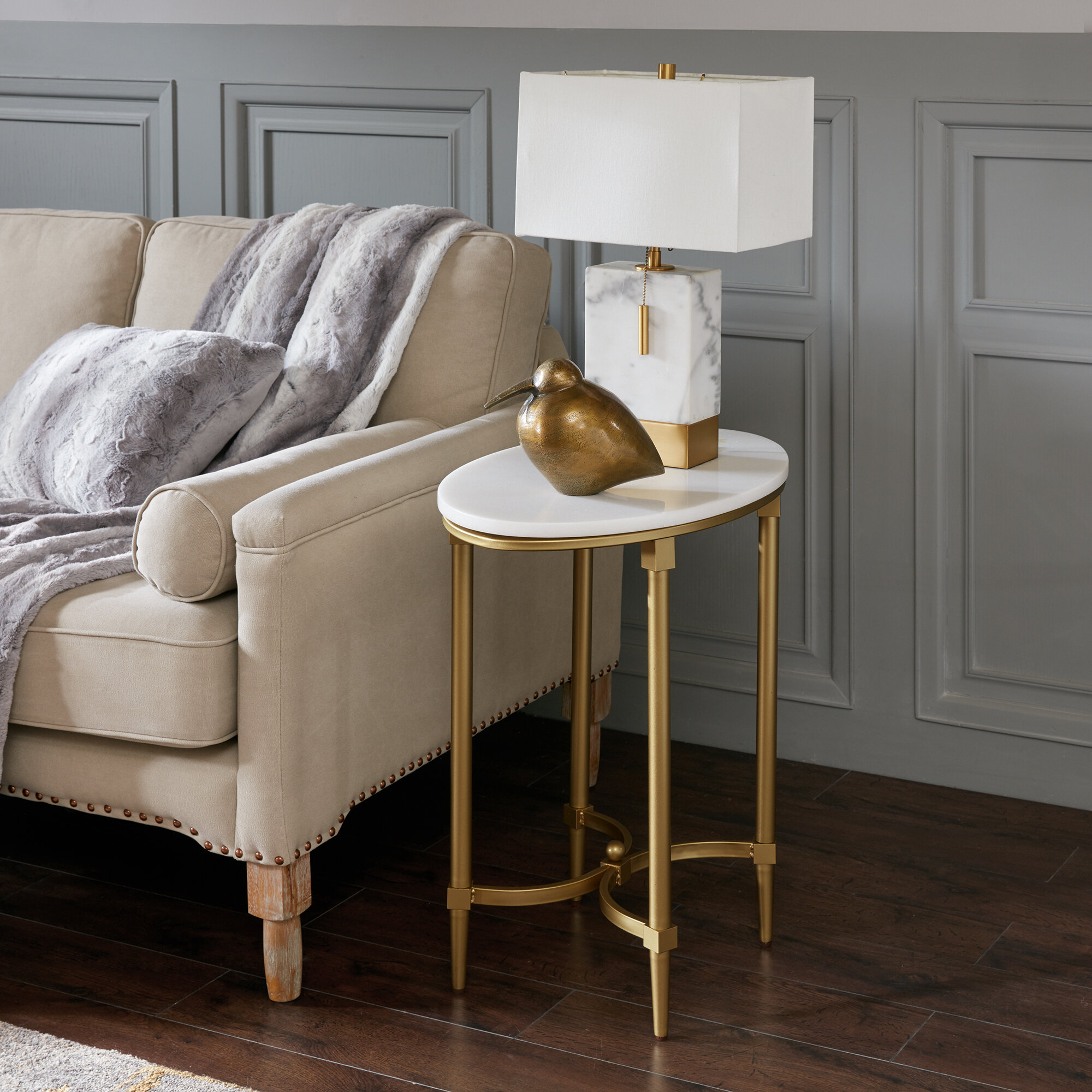 Home Staging Bordeaux bordeaux end table