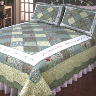 Calton Green & White Quilt