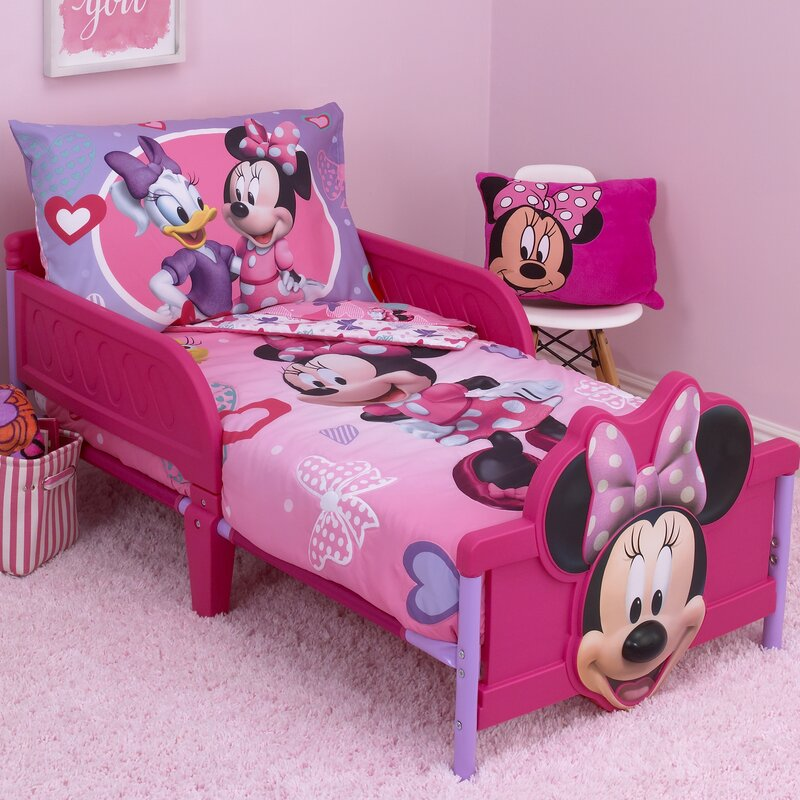 Minnie Mouse Hearts And Bows 4 Piece Toddler Bedding Set by Disney