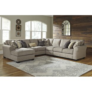 Benchcraft Pantomine Reversible Sectional