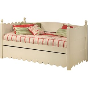 Scallop Daybed With Pop-Up Trundle by Alligator Herry Up