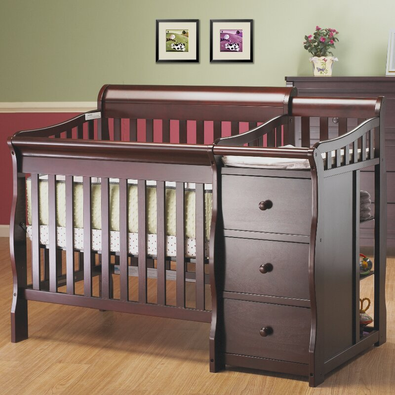 Newport 2 In 1 Convertible Crib And Changer