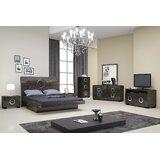 https://secure.img1-fg.wfcdn.com/im/26707264/resize-h160-w160%5Ecompr-r85/5916/59165913/Madalyn+Platform+4+Piece+Bedroom+Set.jpg