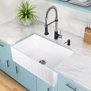 VIGO Edison Single Handle Pull-Down Spray Kitchen Faucet and Matte Black