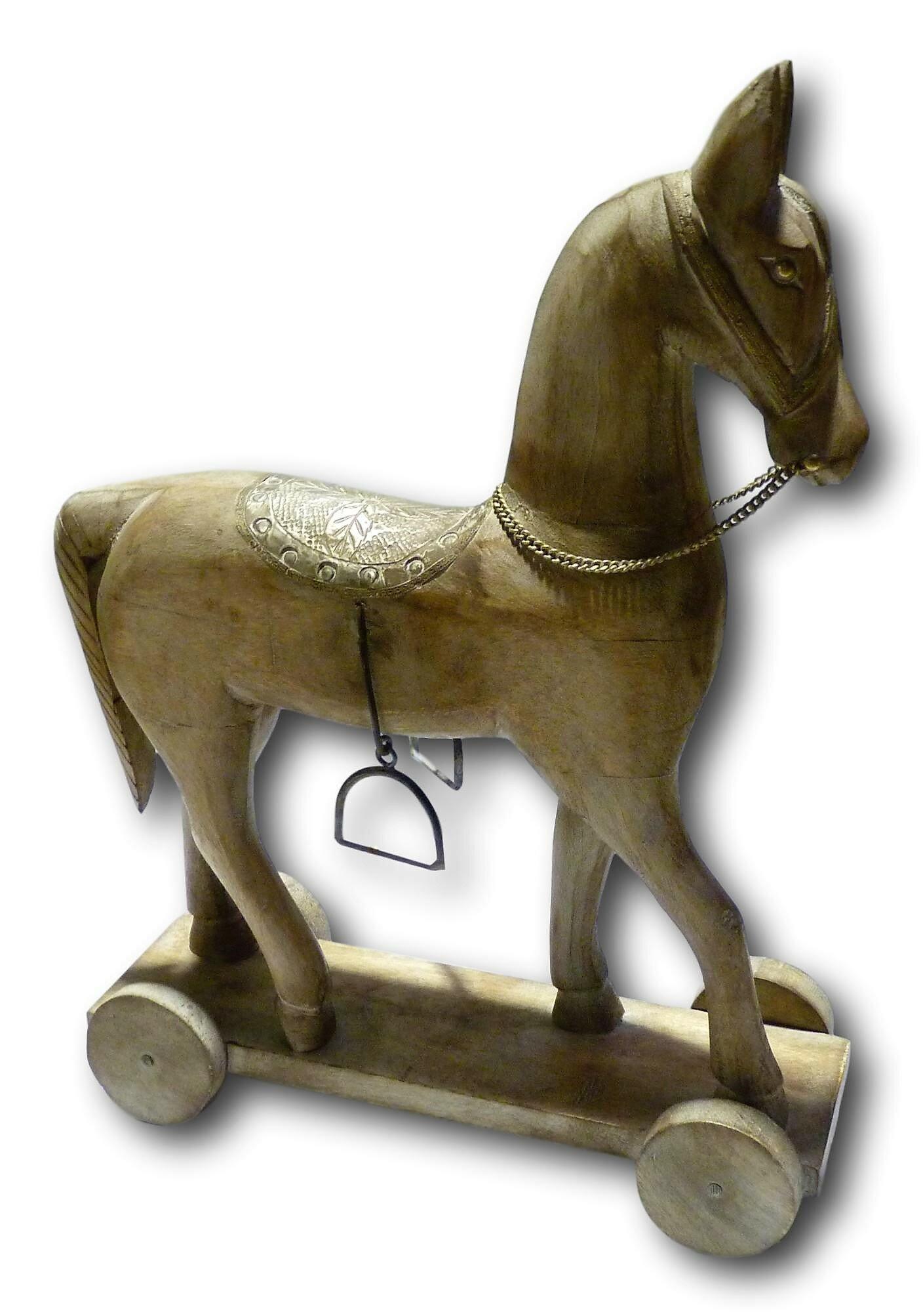 Astoria Grand Liz Trojan Horse Statue