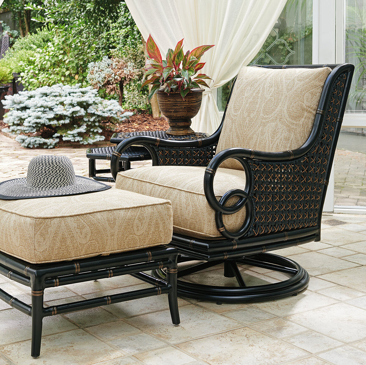 Picture of: Tommy Bahama Outdoor Marimba Swivel Rocker Lounge Patio Chair With Cushion Wayfair