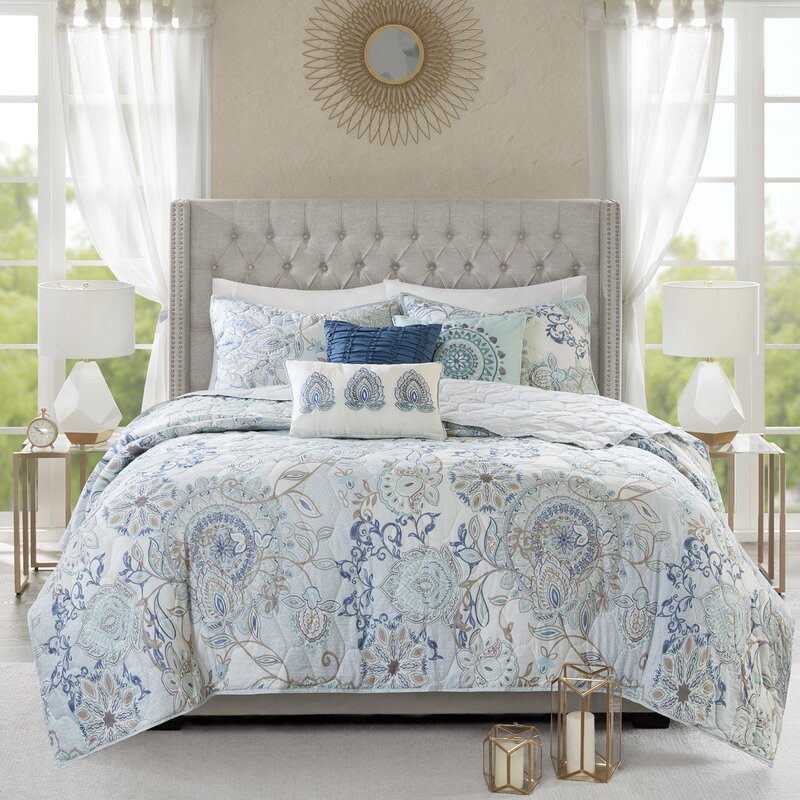 6 Piece Medallion Reversible Bedspread//Quilt Set