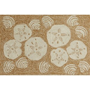Winifred Natural Shell Toss Indoor/Outdoor Area Rug