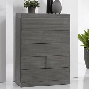 Wade Logan Yusuf 5 Drawer Chest