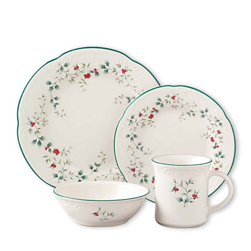 Pfaltzgraff Winterberry Dinnerware Set from Amazon!