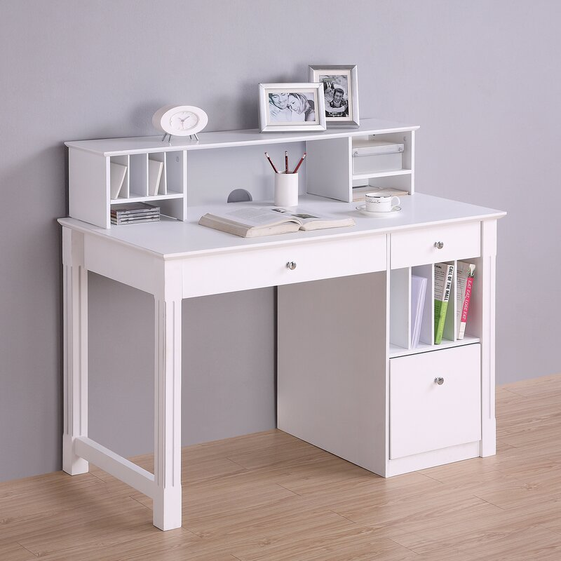 Deluxe Computer Desk With Hutch