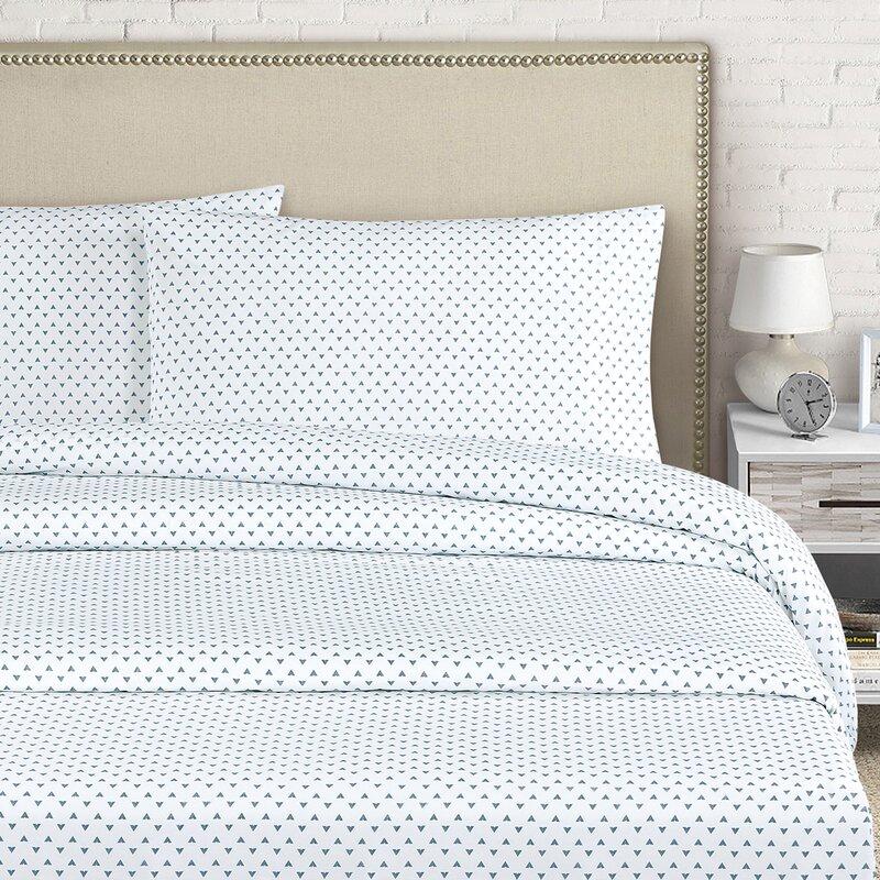 Claret Bedroom Queen Bed