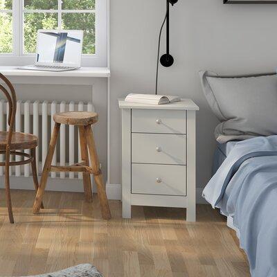 Nachttisch Everson mit 3 Schubladen   Schlafzimmer > Nachttische   Brambly Cottage