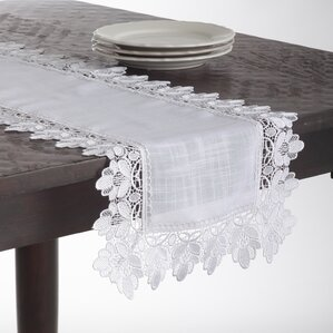 Attractive Jeremie Table Runner