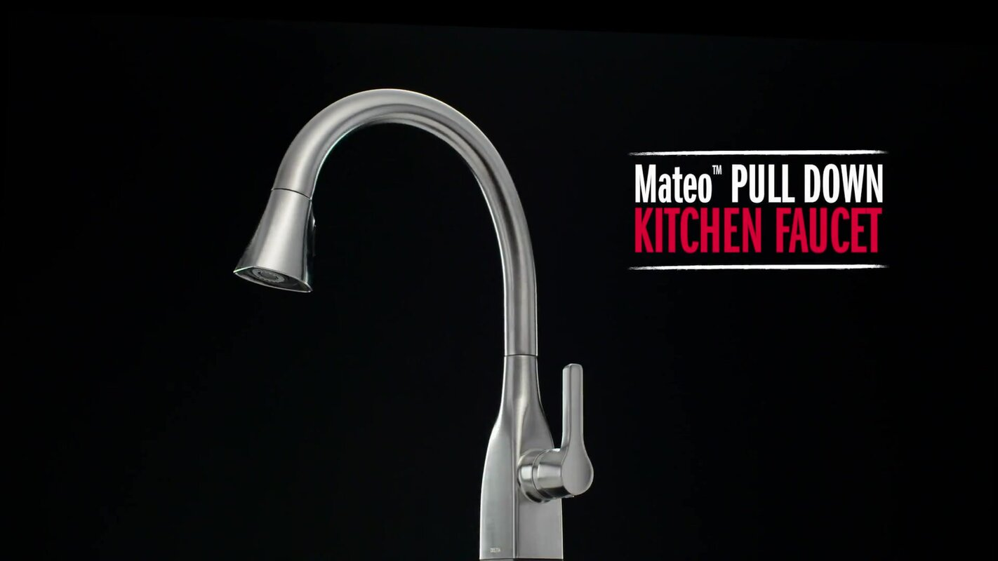 Mateo Pull Down Single Handle Kitchen Faucet with MagnaTite® Docking ...
