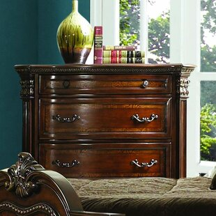 Astoria Grand Daniela 5 Drawer Chest