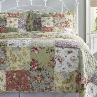 Bauer Reversible Quilt Set