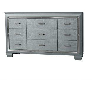 Rosdorf Park Reena 9 Drawer Dresser