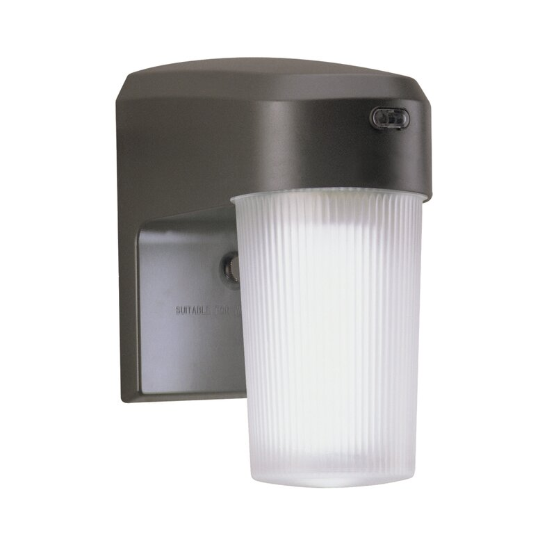Cooper Lighting Llc 13 Watt Cfl Dusk To