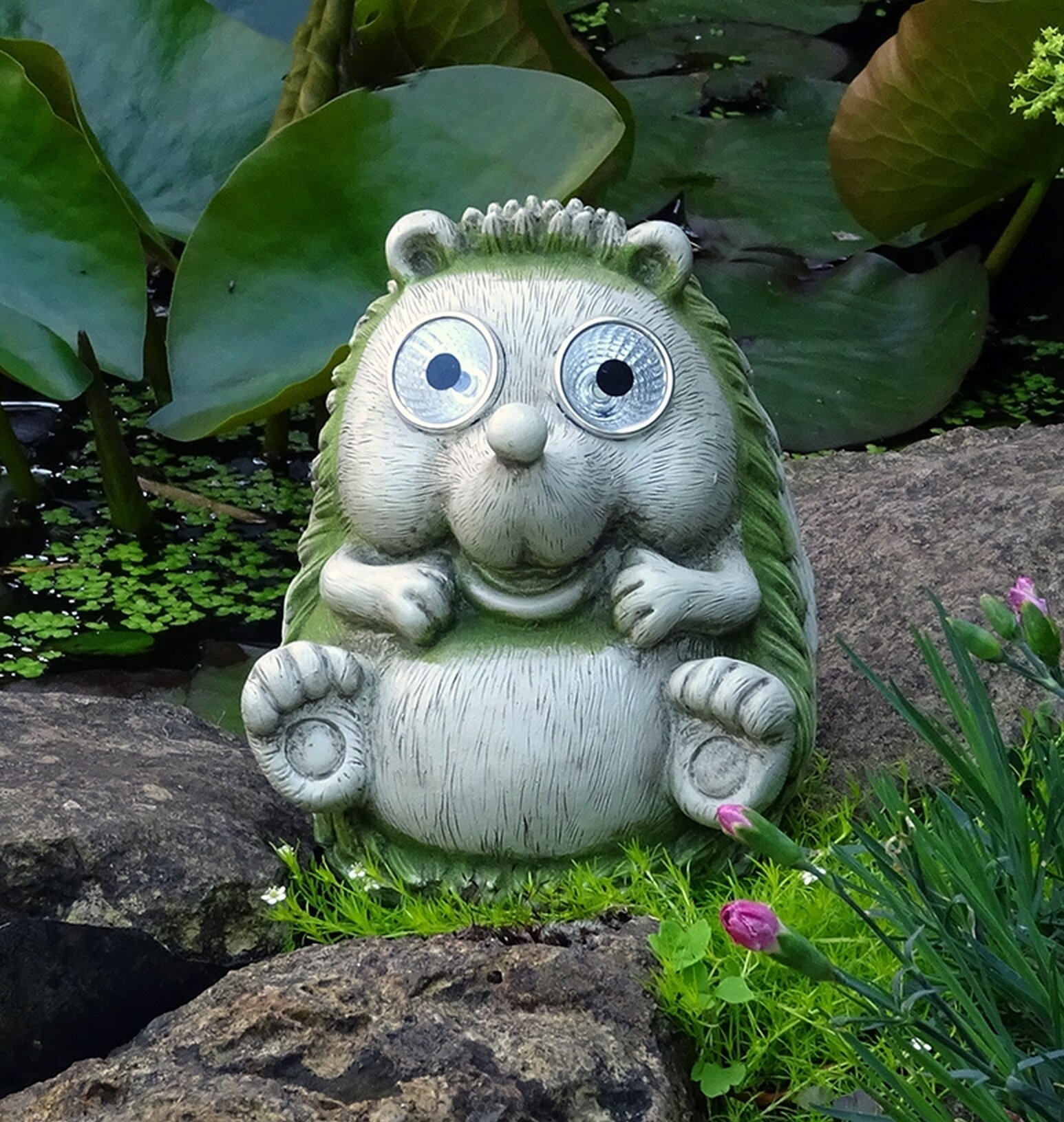 Bax Hedgehog Figurine with Solar Light