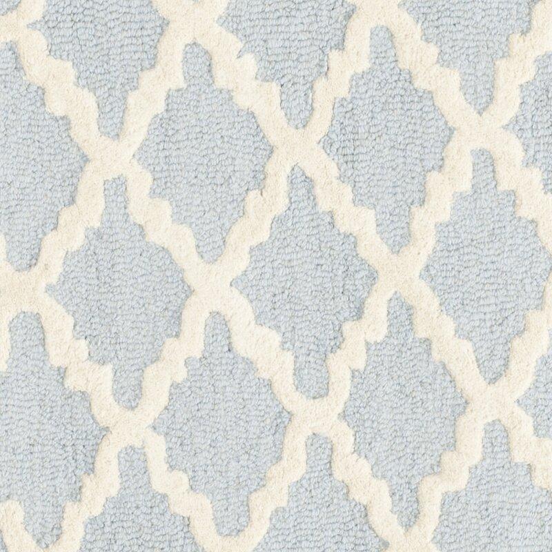 safavieh handgefertigter teppich kate aus wolle in hellblau elfenbein bewertungen. Black Bedroom Furniture Sets. Home Design Ideas