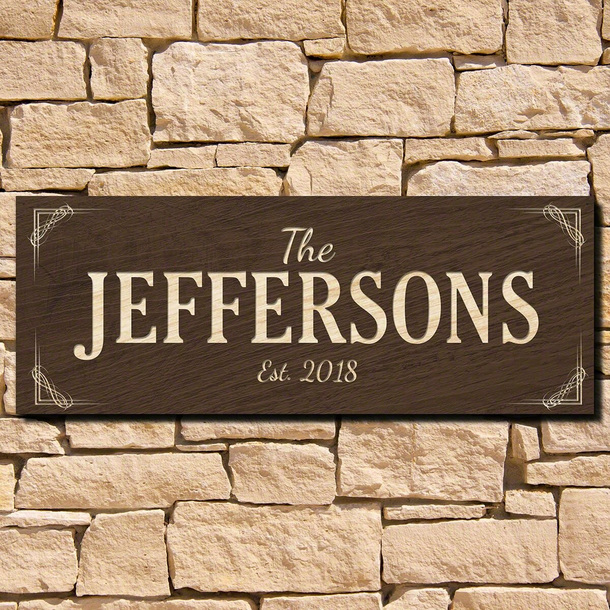 Family Name Wood Sign Wall Décor
