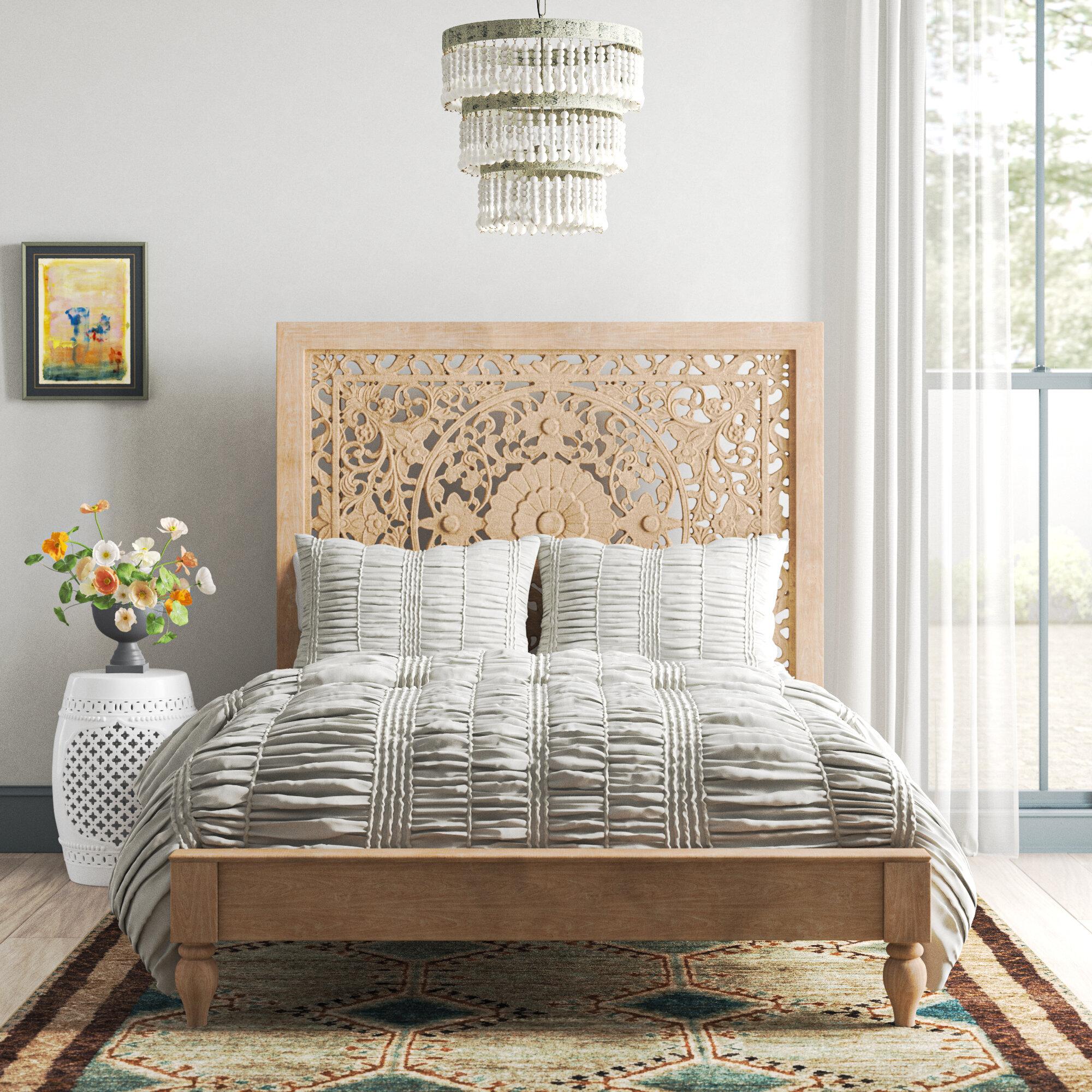Bungalow Rose Standifer Queen Solid Wood Platform Bed & Reviews ...