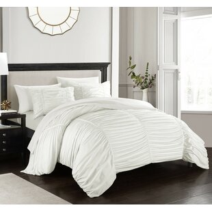 Lilyana Comforter Set by House of Hampton Wonderful