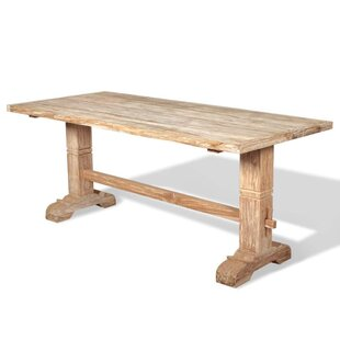 Review Finnigan Dining Table