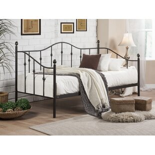 Cornwall Daybed by Fleur De Lis Living
