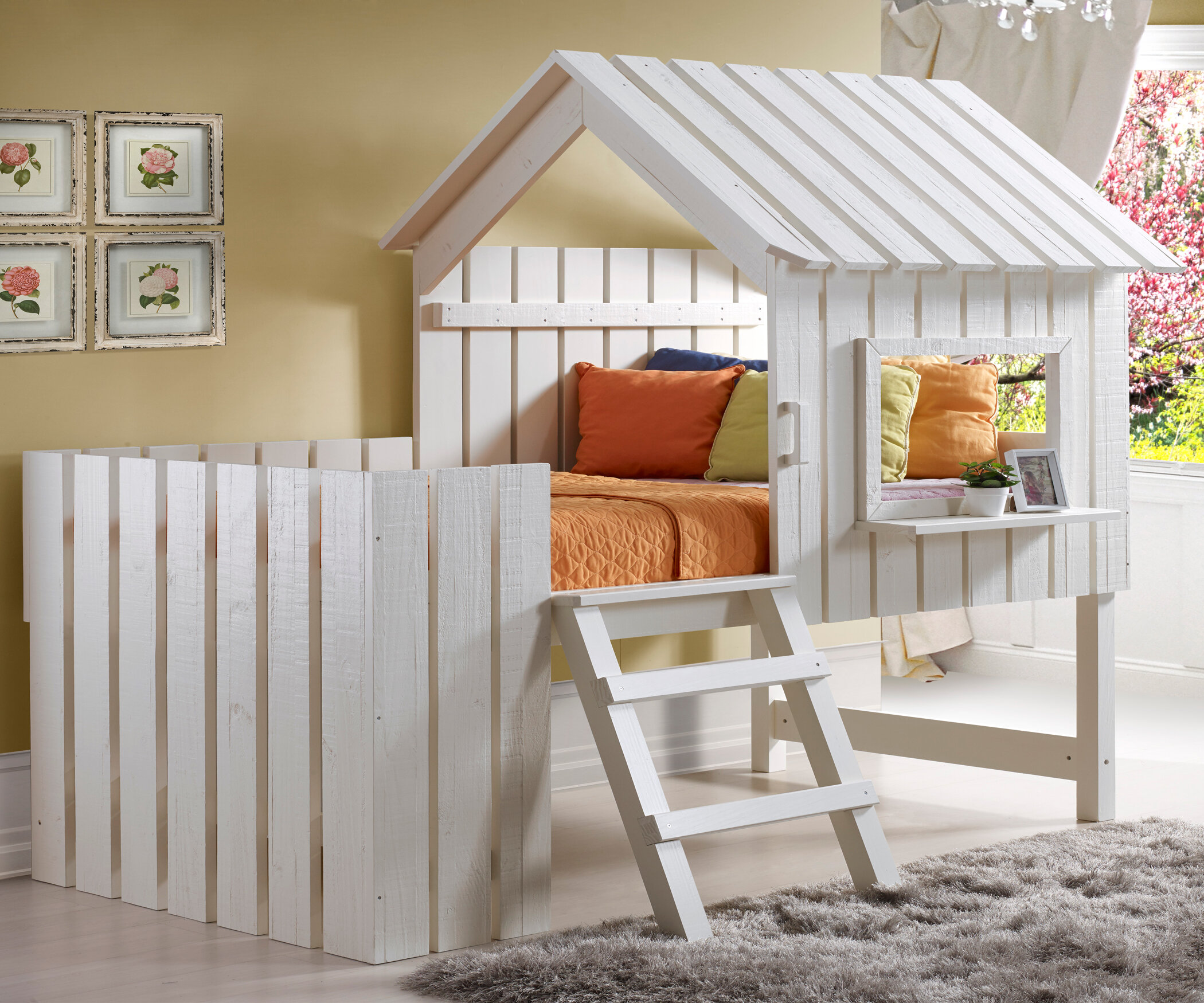 doesn wooden shaped l beds the s space with t ceiling bunk show features far on but there it top bunkbed low saving photo desk above a