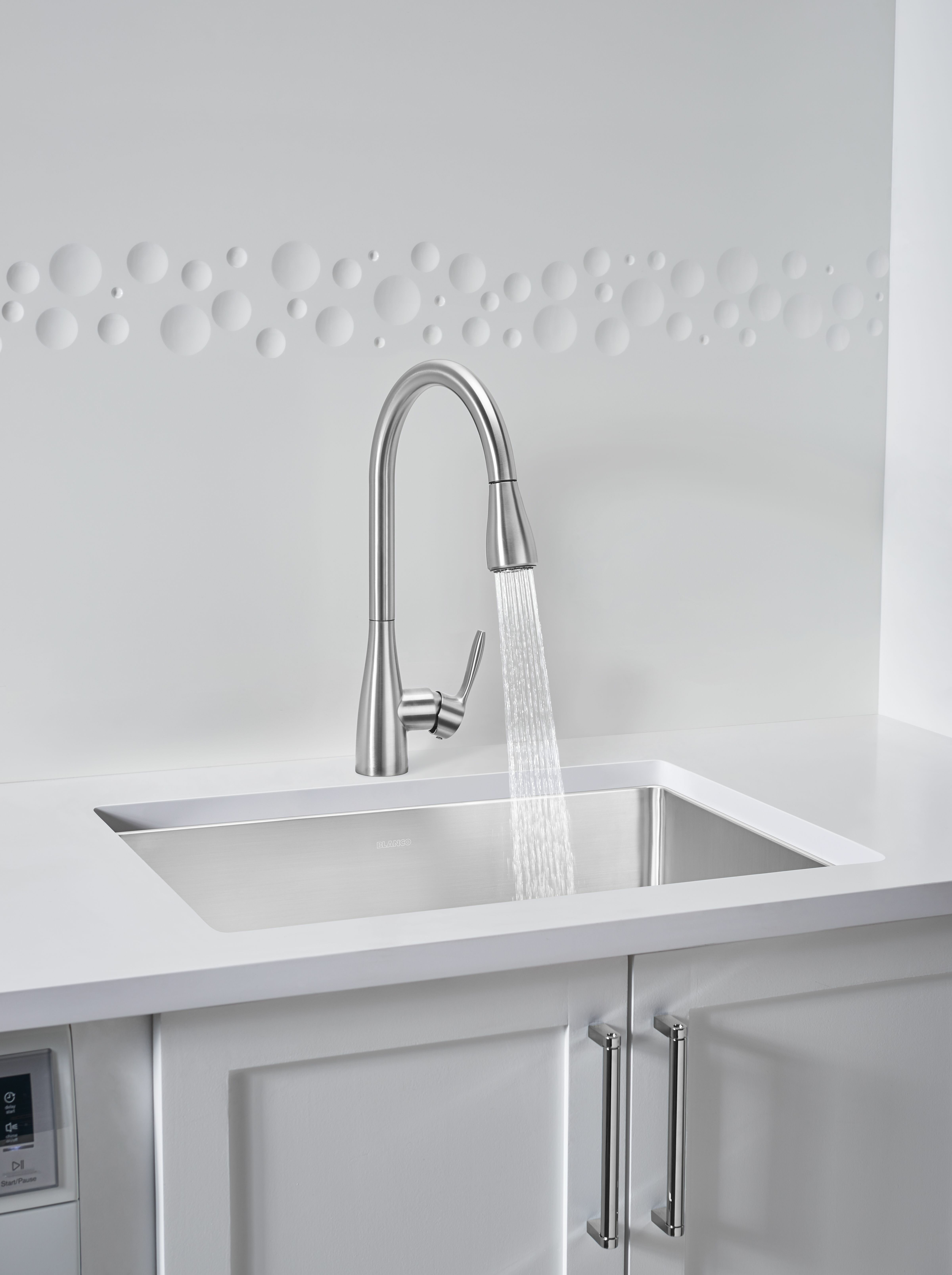 Atura Pull Down Single Handle Kitchen Faucet