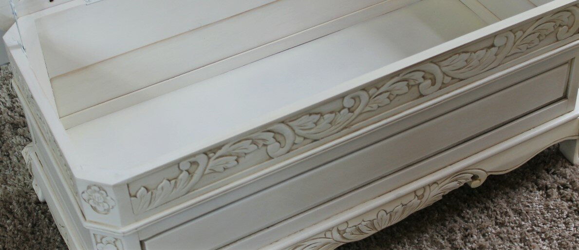 International Caravan Windsor Antique White Wood Indoor Bench ...