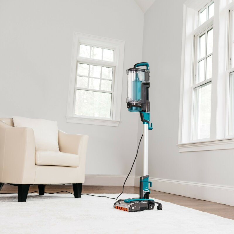 Shark Vacuums Buying Guide 2020: Best For Pet Hair, Carpet