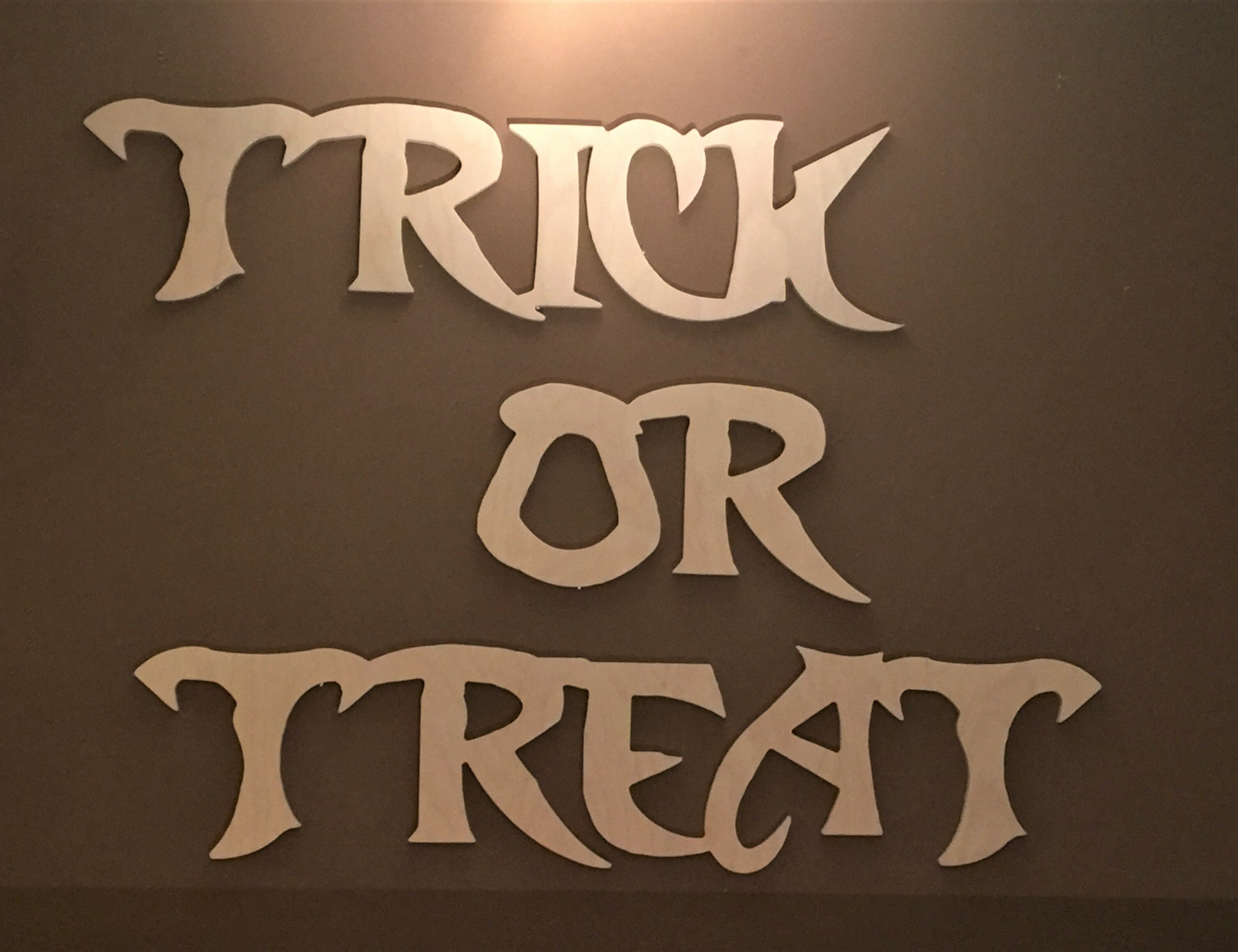 Trick or Treat Halloween Wall Decor