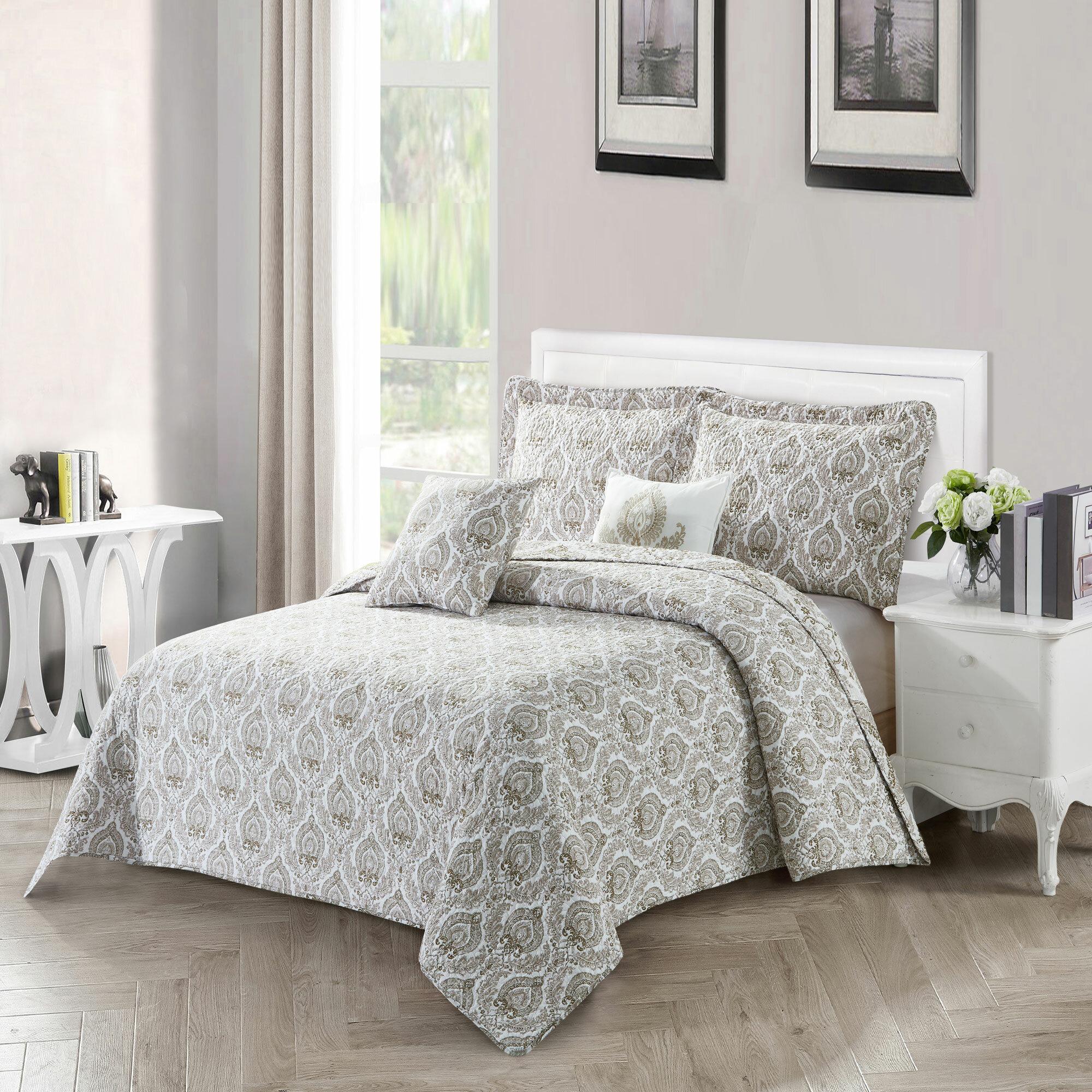 House Of Hampton Maleah Heart Damask Reversible Quilted Bedspread Set Reviews Wayfair